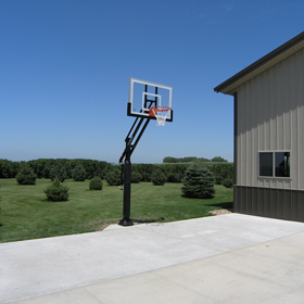 The McNaughton family from LeMars, IA love their new basketball system